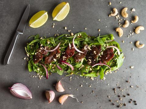 salade de bœuf thaï à emporter à Paris et Levallois-Perret avec Le Bento Français